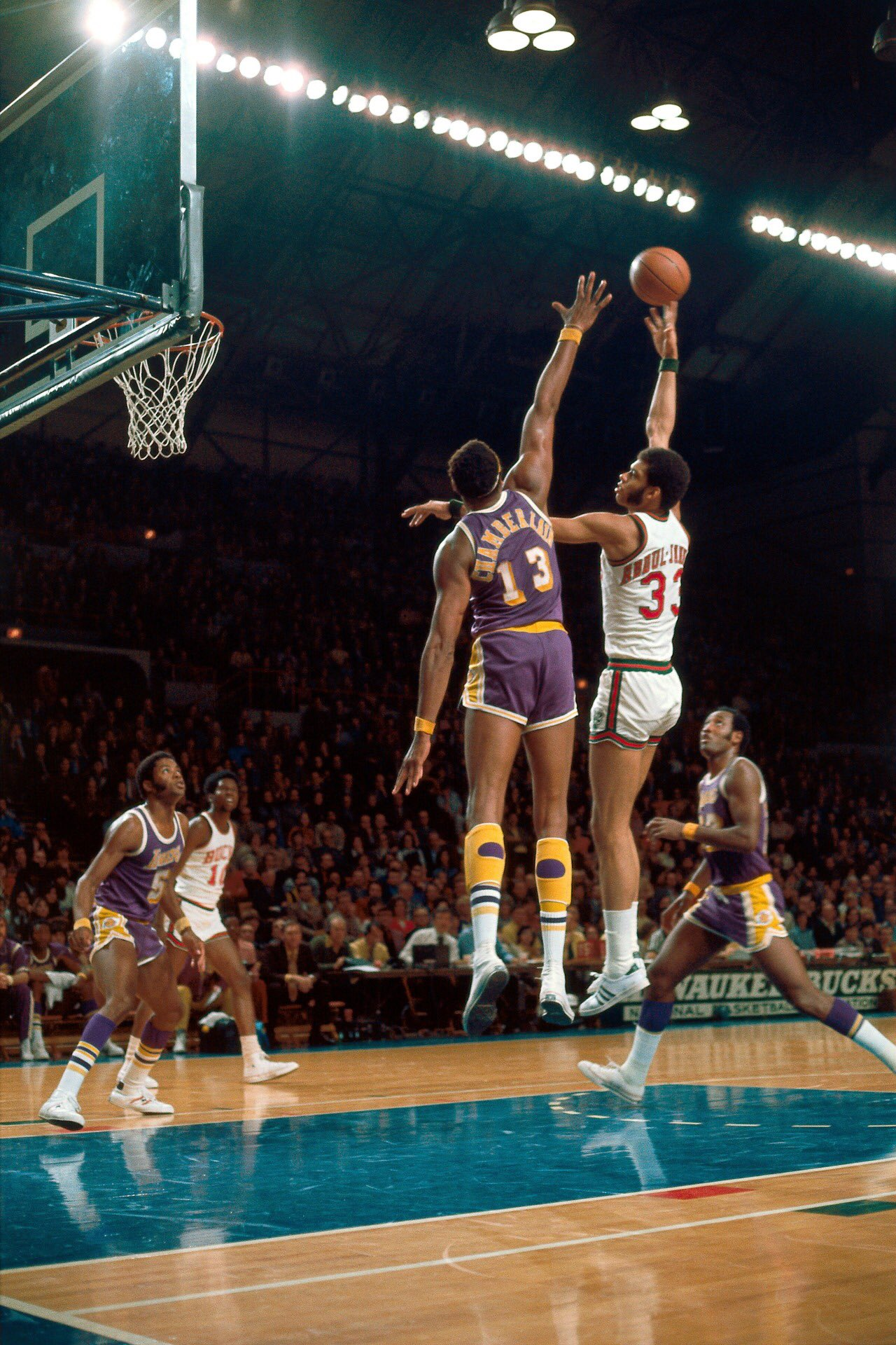 Happy birthday to 6X NBA Champion & 6X MVP, HOFer Kareem Abdul Jabbar!!!