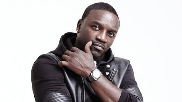 FELIZ CUMPLEAÑOS - HAPPY BIRTHDAY: \\ Aliaume Damala Badara Akon Thiam \\ (44)