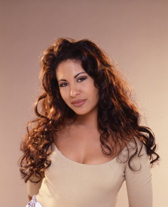 Happy birthday to the beauty that is Selena Quintanilla-Pérez