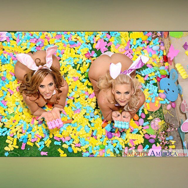 Happy Easter from @PMarizzle and I 🐰🌸💋 https://t.co/cc04qiuCP8