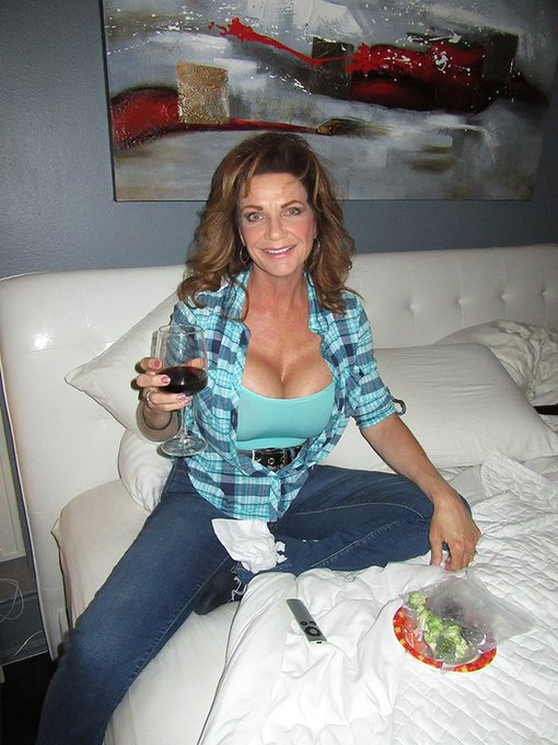 hubby took some pics of me on my bed eating a relish tray watching the NBA playoffs. https://t.co/BX