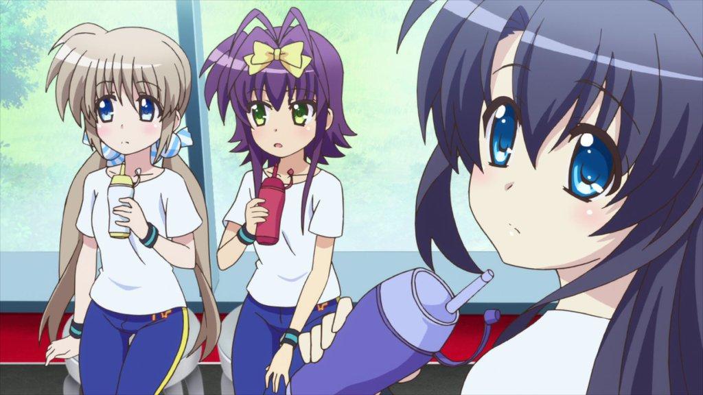 髪色の判別が難しい「なのはシリーズ」?  ユミナちゃんが黒か紺かは、微妙なラインだよね。謎のコロナちゃんも居るし。#なの
