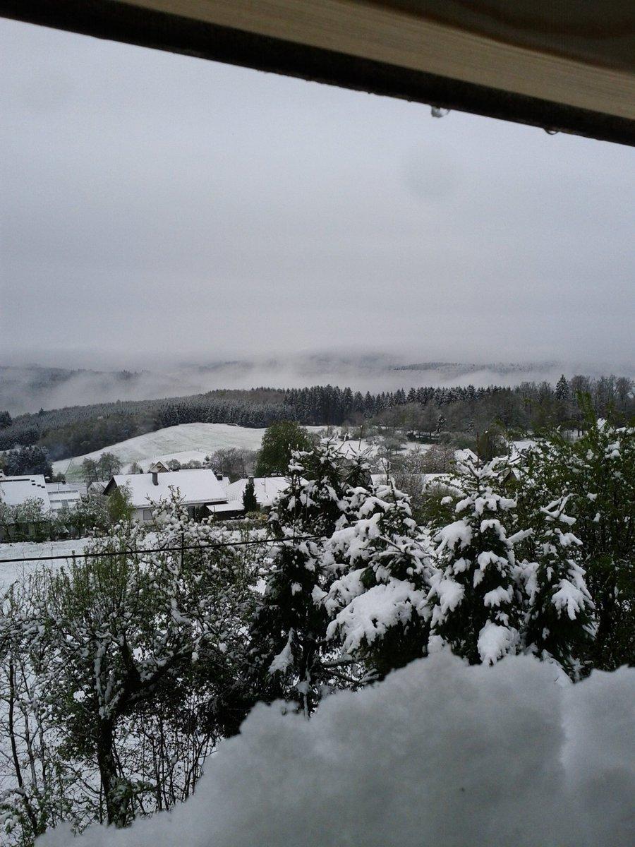 Ostern oder weihnachten? bei dem schnee in siegen heute nicht ganz ...