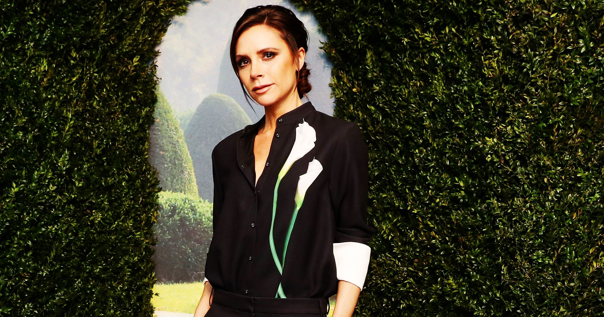 "Victoria Beckham\s Precious Daughter Harper Sings ""Happy Birthday\"" To Her Mum"