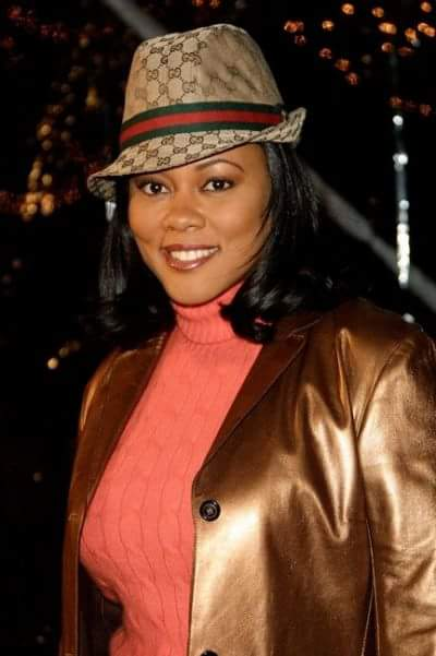 Happy birthday to one of my favorite actresses. The beautiful and talented Lela Rochon!