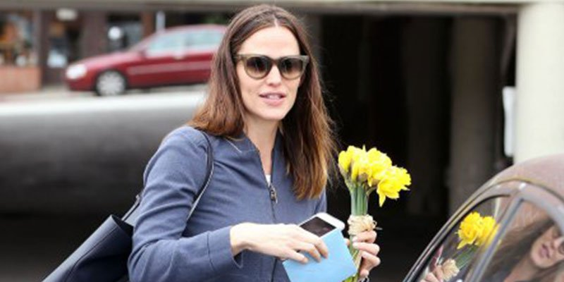 Jennifer Garner steps out for birthday lunch with a friend