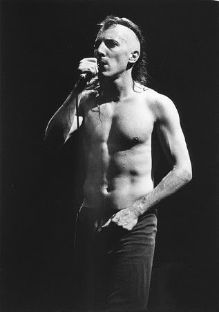 Happy birthday to this talented man, Maynard James Keenan! I love you..