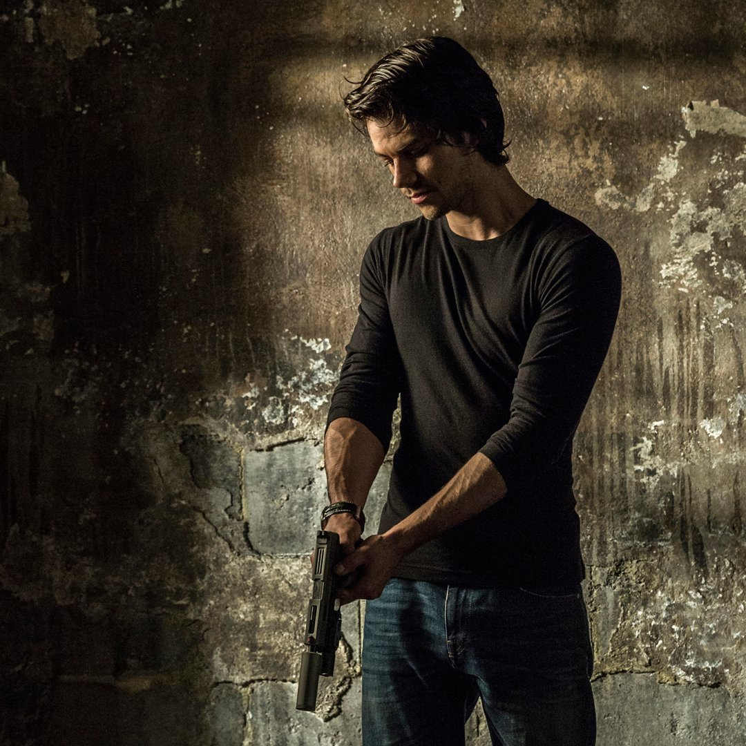 Assassins aren't born, they're made. #AmericanAssassin - in theaters September 15 https://t.co/7q9fAuXdvu