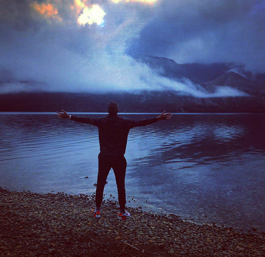 Mientras prepara su regreso al circuito @delpotrojuan viajó a conocer la hermosa Patagonia Argentina. ( �� IG Delpo) https://t.co/4xEVnhsjYH