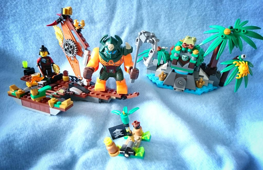 「70604 離れ小島 ティガー島」を組み換えて「伝説の海」をつくりました。#lego #Ninjago