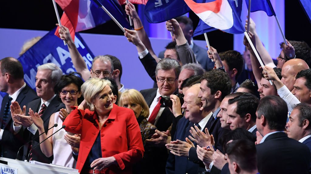 Le Pen goes back to her roots on immigration as poll countdown begins