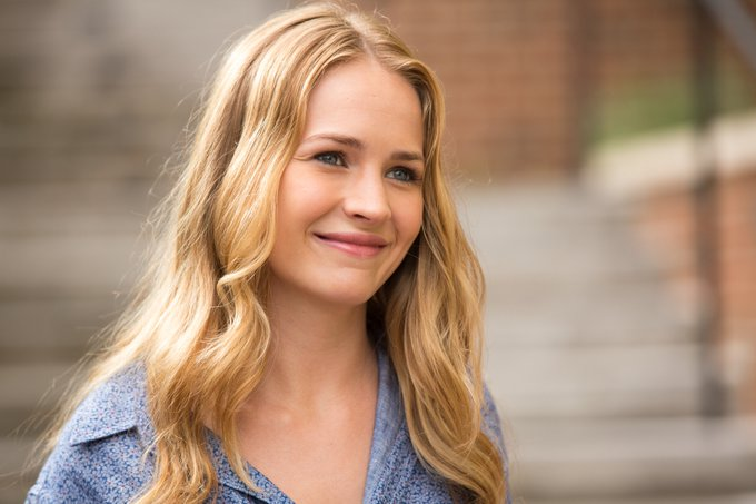 Happy Birthday Britt Robertson!