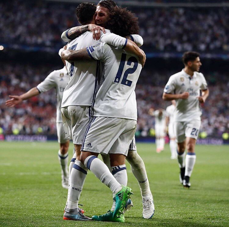 Another night to remember. Amazing win!! Great team work! ���������� https://t.co/H2qRcg7XYe