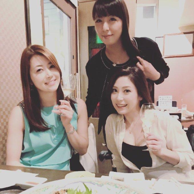 昨日の幸せな宴。 北条麻妃さんと村上涼子さんと❤ https://t.co/fFmZoum3Zr
