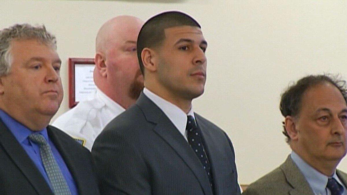 #BREAKING Former NFL star Aaron Hernandez hangs self in cell