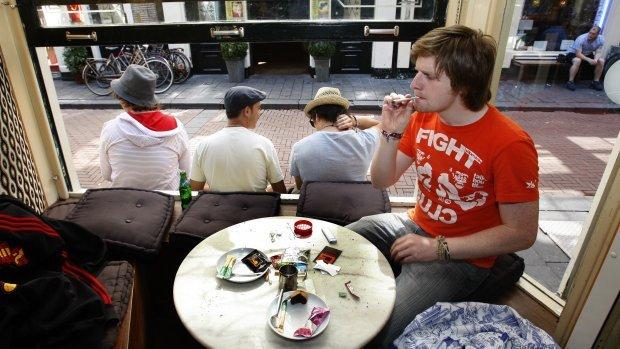 Кофешопы в амстердаме