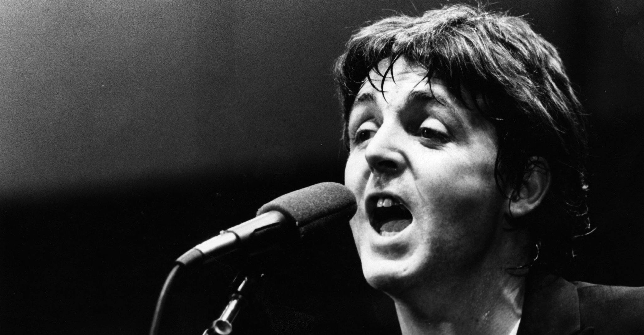 Paul McCartney released his first solo album 47 years ago today https://t.co/GbbDoYSFJE https://t.co/A60lIS7Lpk