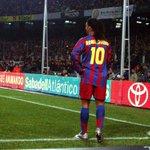 Não acreditava em mágica até ver Ronaldinho jogar https://t.co/fNFQSiWys9