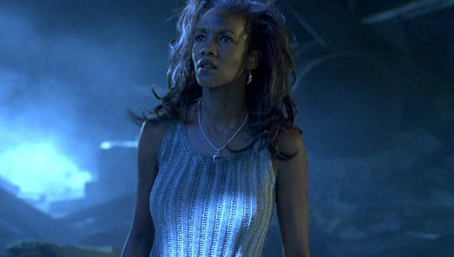 @XoXoWeddStudio  RT @SuperHeroHype: .@MsVivicaFox is returning for #IndependenceDay 2 http://t.co/DFYMyDbJS6 http://t.co/I1Jm6ce8G8