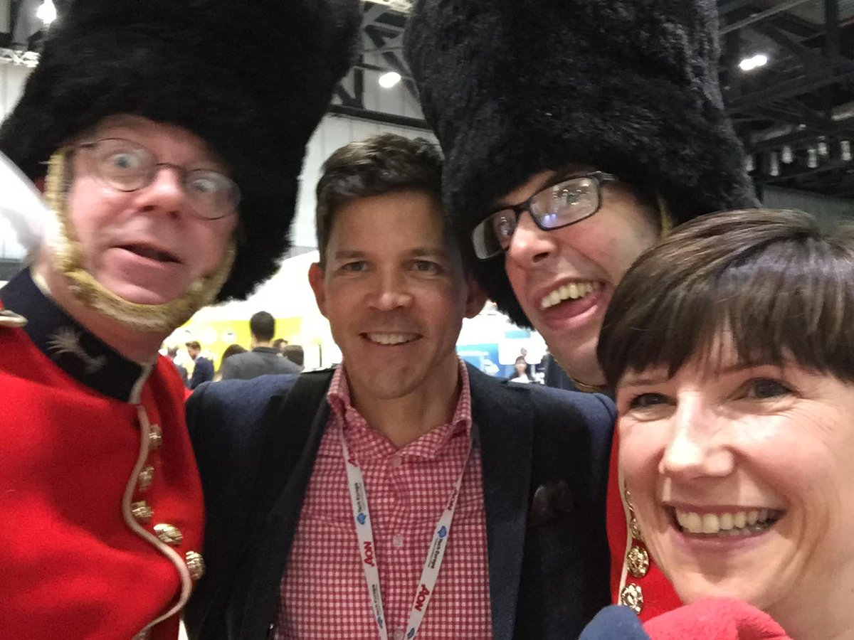 Chris from @GigPlug & some very 'effervescent' soldiers at #HRTechEurope; great to hear about the app, thanks http://t.co/FOcUtZF22S