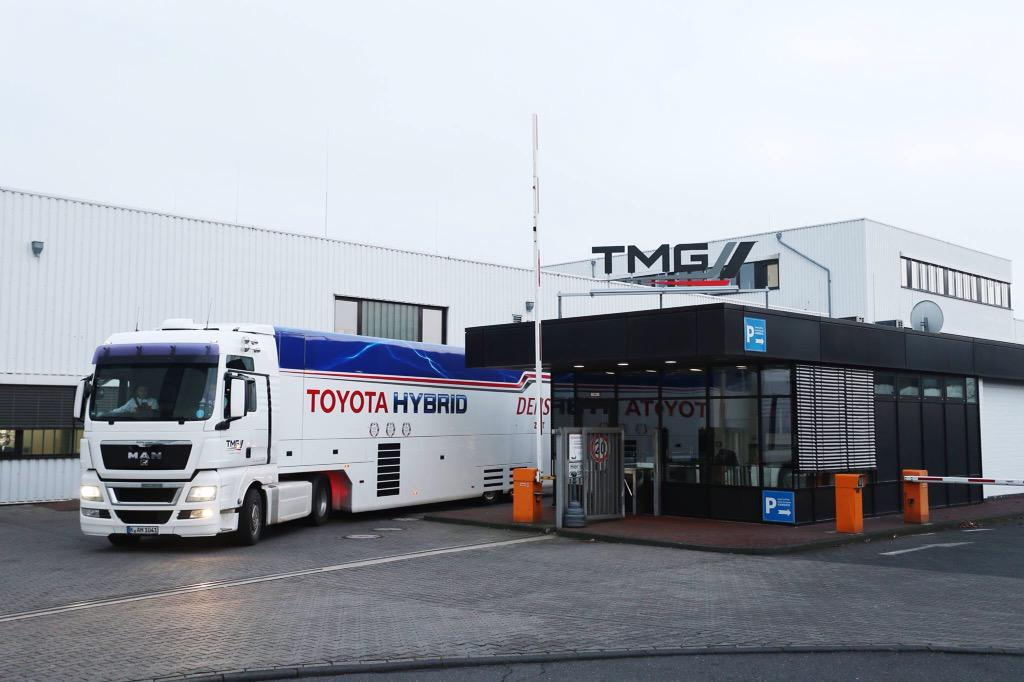 Truck carrying the new Toyota Hybrid Le Mans cars leaves Cologne for @FIAWEC season launch in France on Friday. http://t.co/MY5wTOMnkp
