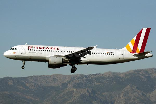 My thoughts, prayers, and deepest condolences go out to the passengers and families of flight #4U9525 http://t.co/piNxBaQc5F
