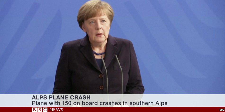 メルケル飛行機事故現場へ。土砂災害でもゴルフしてた某首相とは危機管理に対する姿勢の違いが大きいRT @BBCBreaking: Merkel to travel to crash site http://t.co/OzVtJKEPdu http://t.co/tOdsOkFKz7