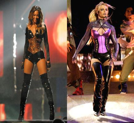 Who Looks better? RT for (@britneyspears) FAVE for (@Beyonce)  #BritneySpears #Beyonce http://t.co/BGgXNASJPR