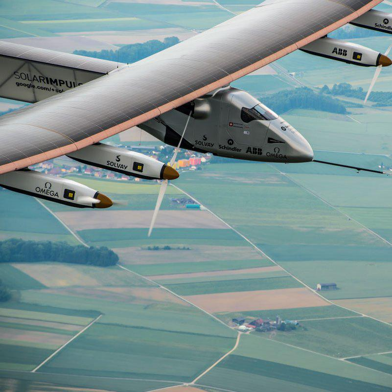 1st #solar-powered journey around world w/o a drop of fuel to stop in #PHX: http://t.co/XATYZmhR4f w/ @solarimpulse http://t.co/SMoFPzTgAz