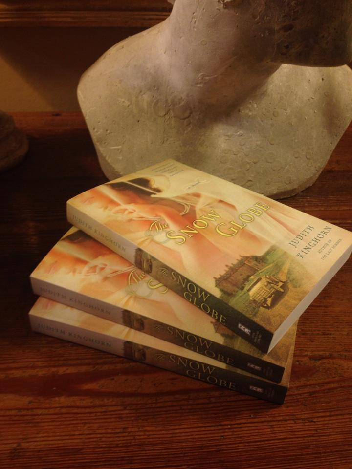Two days left to enter my #GIVEAWAY! RT & follow. 3 signed copies of #TheSnowGlobe. Ends Friday. http://t.co/YkcLbGVnIS