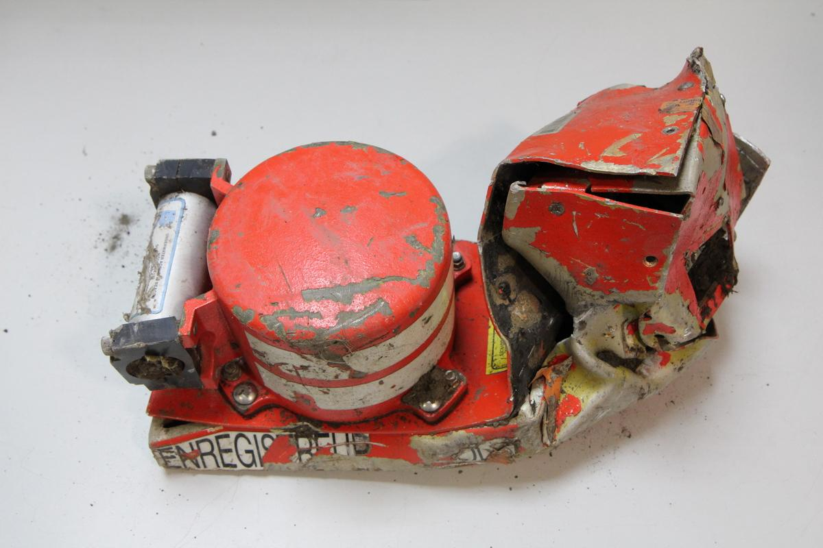 BEA France releases photo of Cockpit Voice Recorder of Germanwings flight #4U9525 http://t.co/wxQRxQZDp6