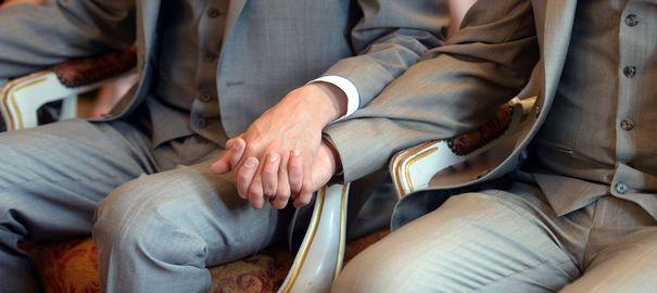 Un avocat californien propose d'exécuter les homosexuels d'une balle dans la tête http://t.co/SnmijKneSt http://t.co/mwKFYTuiEr