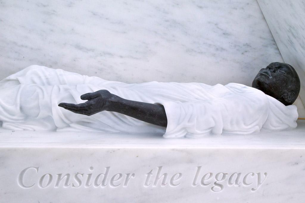 This is the newest statue to grace the UN lawn. Context: http://t.co/VrPlevFMva http://t.co/505DL1P53S