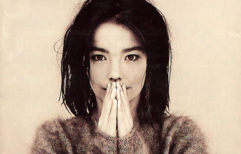 Björk se retira por miedo a que la versione Pitingo http://t.co/Ll6fuR4yco @elmundotoday en #TodoPorLaRadio http://t.co/03RCTpnsJB