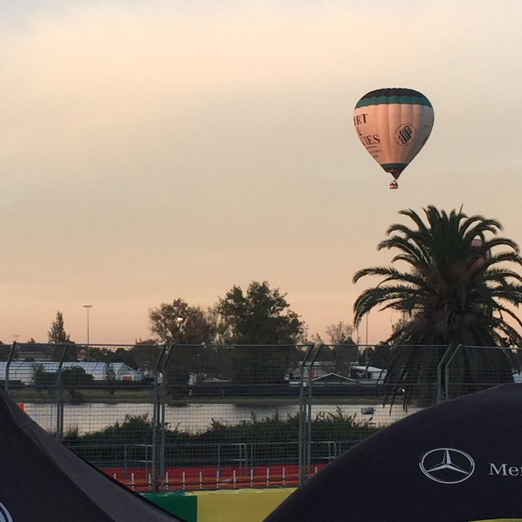 There's nothing like seeing the sun rise over the #ausgp circuit on @f1 qualifying day is there? #sunrise http://t.co/pkrAfMl3Bq