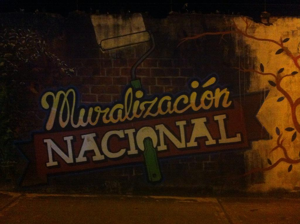 Hola @MuniLima, desde Tarapoto les mandan este mensaje plasmado en un muro. #culturamural http://t.co/Cf0Ip7z4LT