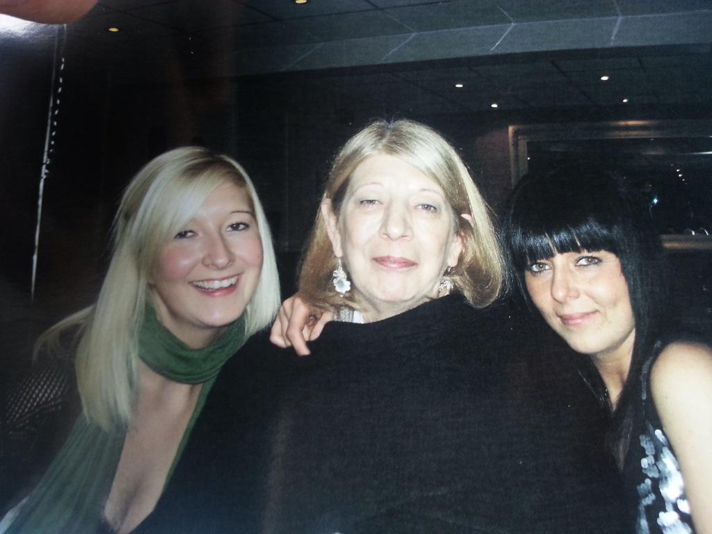 @CR_UK we miss mum every day , donated :) xx #MyMumAndMe http://t.co/9qr5mOZYyA