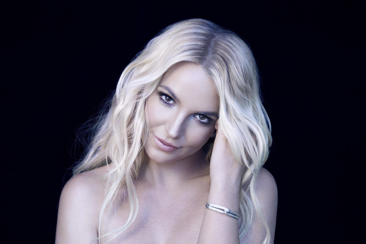 """.@BritneySpears' new single might be called """"Pretty Girls"""" and may be written by @LittleMix... http://t.co/RQVCNqxHqW http://t.co/Zm1w0721iw"""