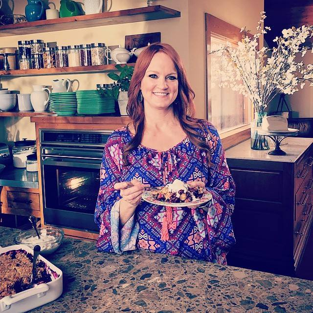 There's a Pioneer Woman marathon on @FoodNetwork all afternoon. Hope you enjoy the food, family, and fun! http://t.co/6ttYsG6Hzr