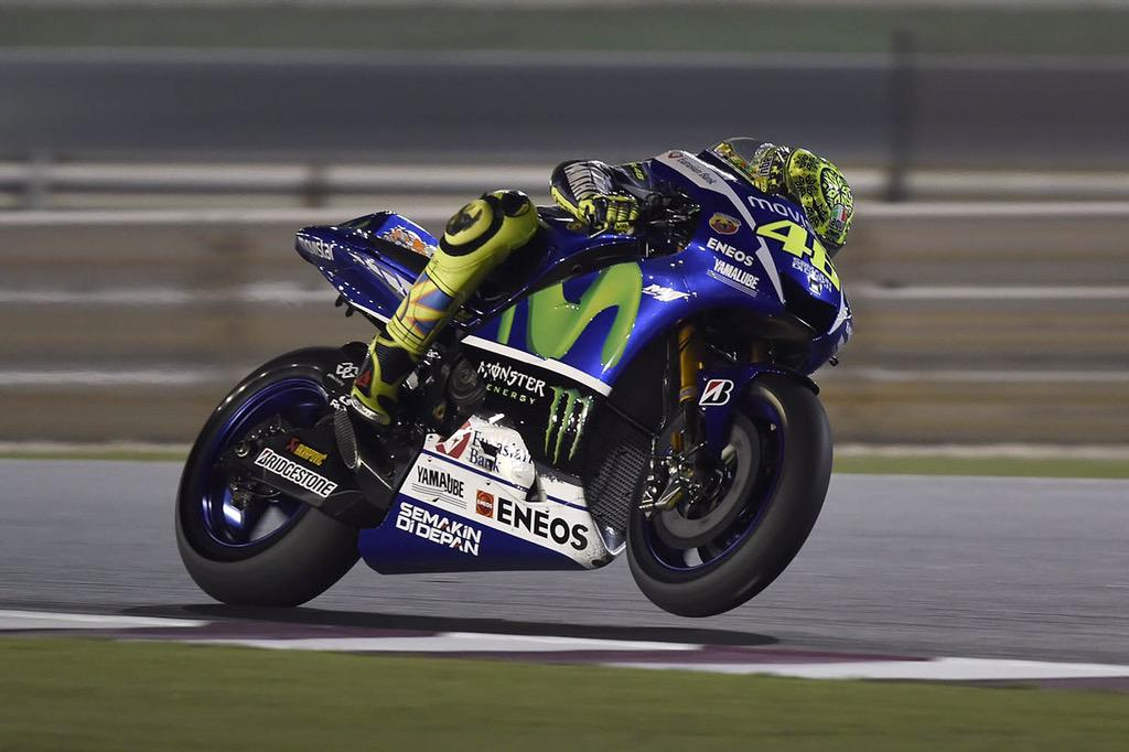 Qatar test,Doha Losail circuit Night 1 Second shot @GigiSoldano http://t.co/gWUIUUodtI