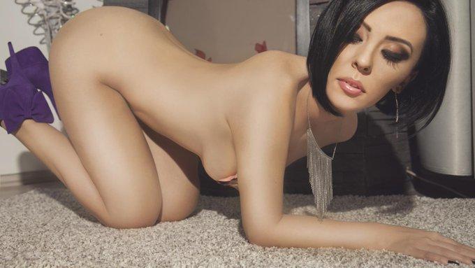 RT @Sophisticat_LJ: #saturdaylive @LittleRedBunnyx @DiamondDollxxx @DiannaArtt @EvaTalkss @anisyiaxxx