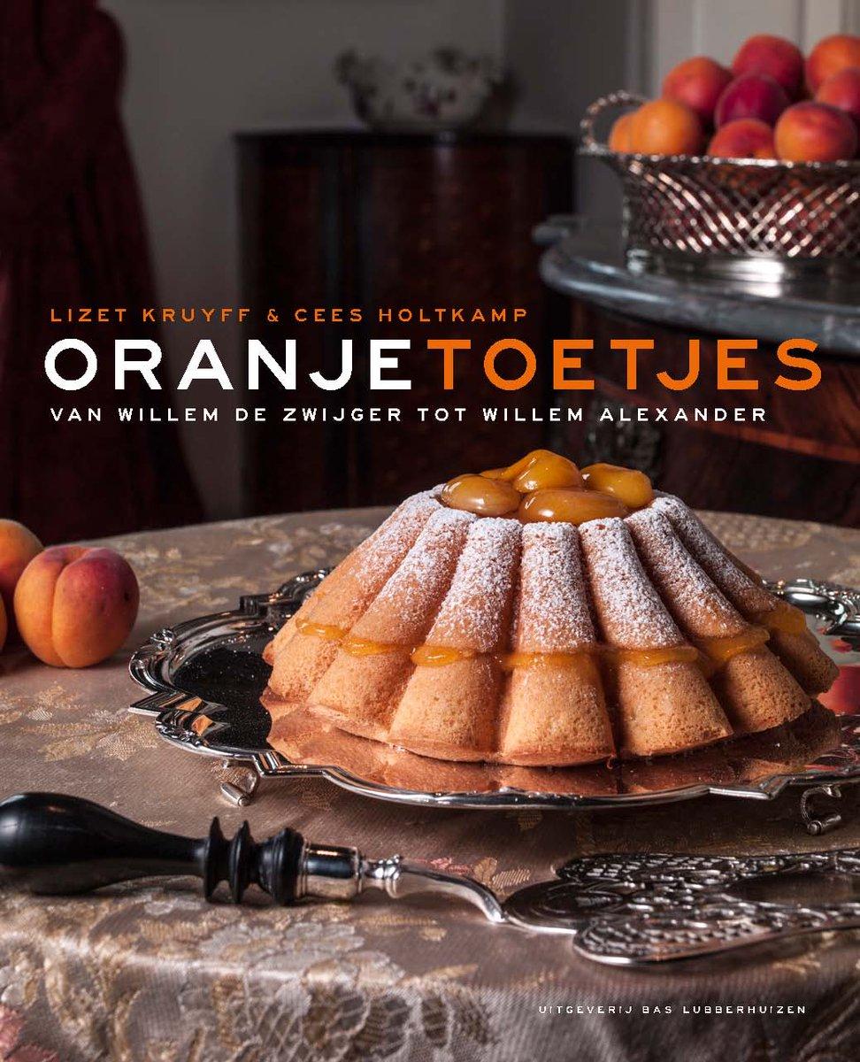 Proud to present: omslag nieuwe boek #OranjeToetjes, 500 jaar desserts uit de hofkeuken, hofkoks en hofkookboeken. http://t.co/bKsbLRYChX