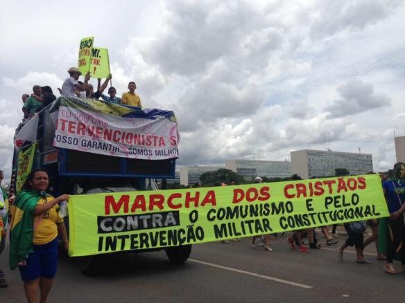 """""""Intervenção militar constitucional"""", o ápice da histeria. I rest My case. #MenosOdioMaisDemocracia http://t.co/1hg7ekx5GC"""