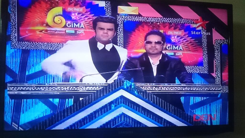 RT @dreamerpunjabi: They owned the night @ManishPaul03 @MikaSingh Kudos!!  @GioneeIndia  #GioneeGiMA http://t.co/AFcrFerG5W