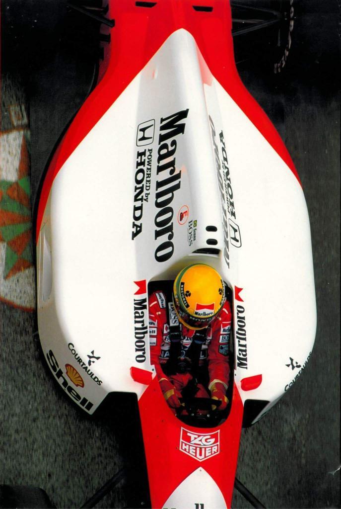 Ayrton Senna - McLaren Honda http://t.co/nhQkxr98Mb