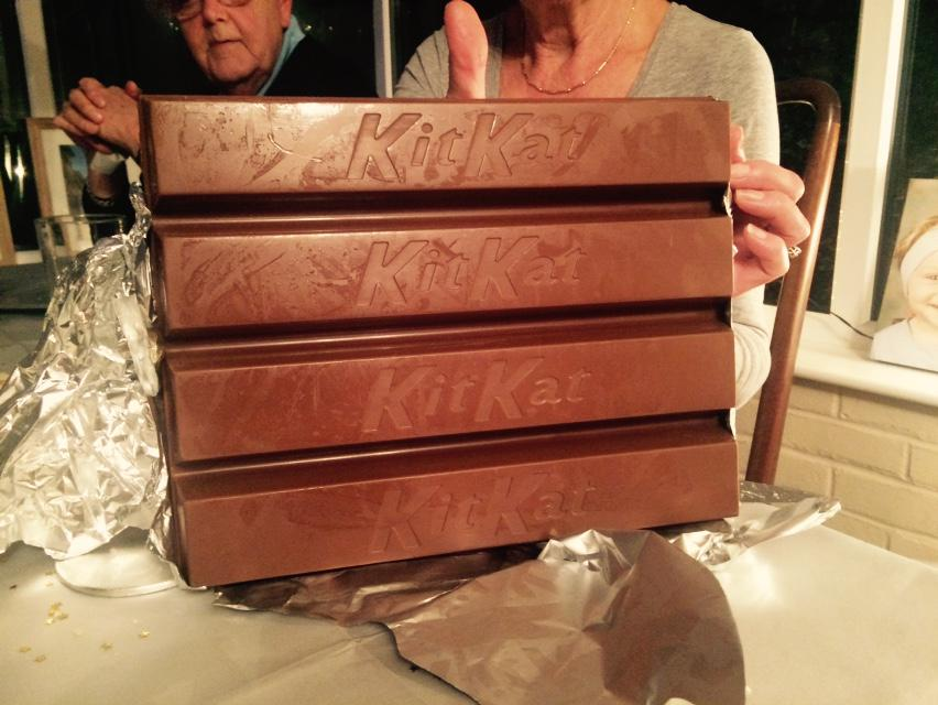 3 Kilo KitKat ! http://t.co/sBcrCTOywr