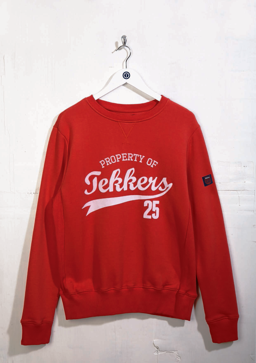 Follow and RT by 8pm KO of #Swans v #LFC game tonight for your chance to win this Tekkers Sweatshirt, size Medium. http://t.co/MhdyBjAnQu