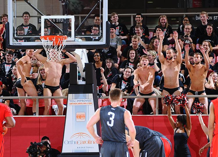 .@uiowa Now that we've cleared that up, we must know--where do you stand on free throw speedos? (photo @TimCowie) http://t.co/PlOakMykeY