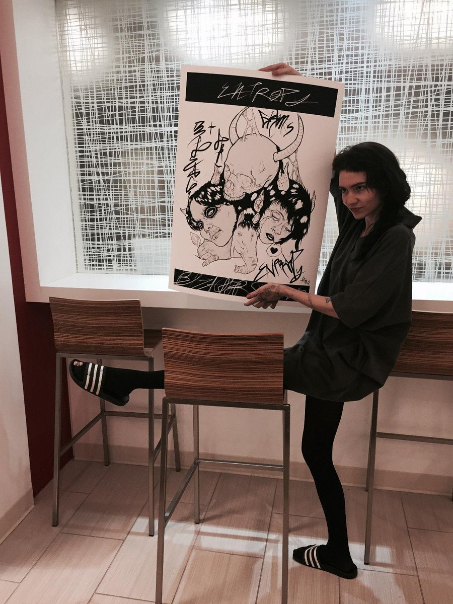 . @Grimezsz's Extremely rare artwork for auction to support @NatObserver! #Grimes #music http://t.co/17jYHbTp3M http://t.co/qaB9CuV0GA