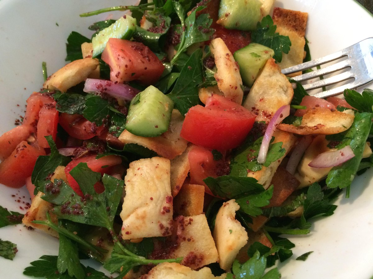 {New recipe} Fattoush Salad + win an @OzeryBakery prize pack http://t.co/y2S99O6L06 #contest #canada #MeatlessMonday http://t.co/TmOYS1sXtU